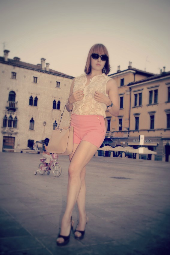 OUTFIT SANDALI ZANOTTI BORSA VALENTINO Xlo+: start building your world!
