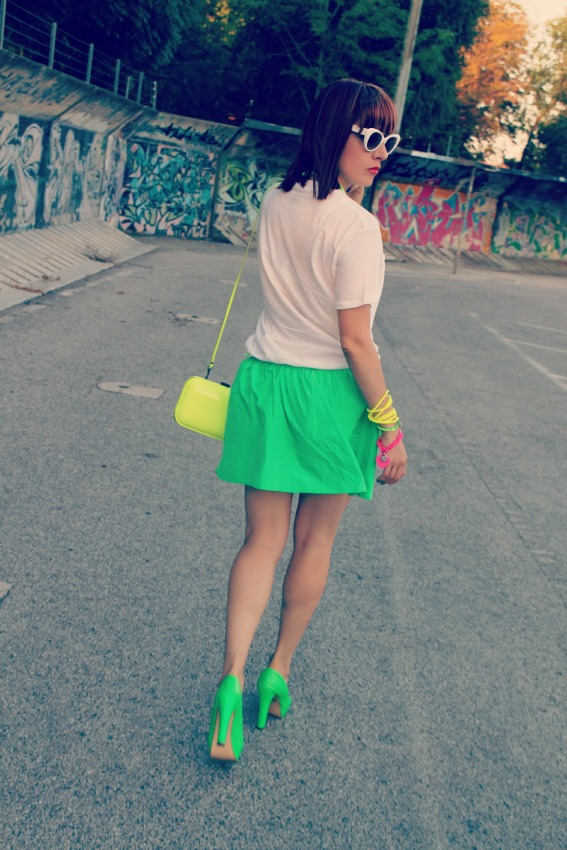 OUTFIT FLUO  Addiction to neon colors