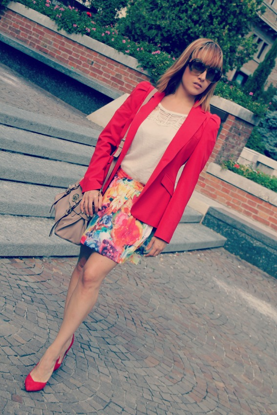alessia milanese,thechilicool,fashion blog,fashion blogger, best of september outfits + giveaway winner, chanel 2.55, balenciaga weekender, alexa mulberry, valentino rockstud
