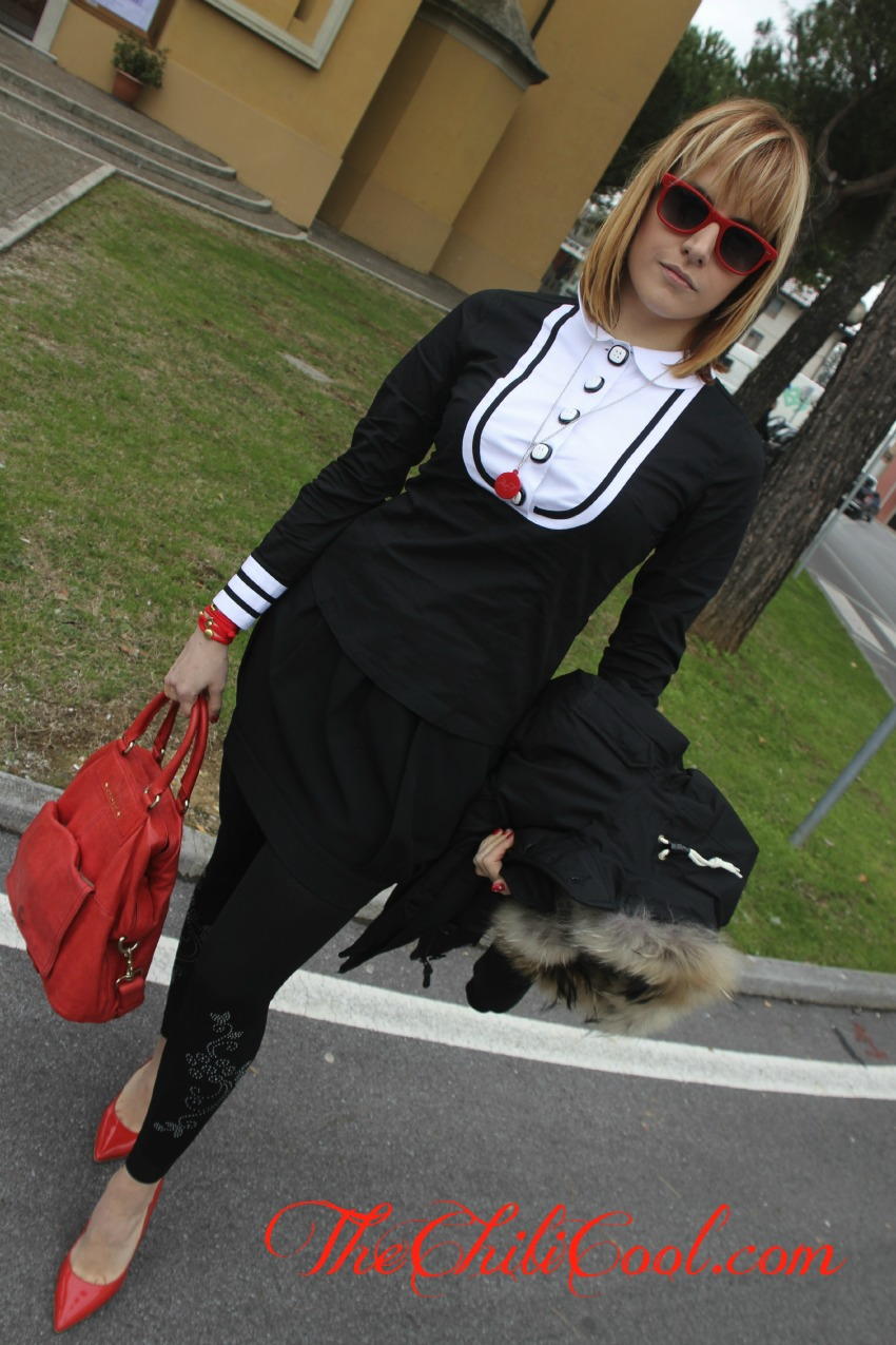 alessia milanese,thechilicool,fashion blog, fashion blogger,black and white in versione collegiale con un'aggiunta di rosso, givenchy bag