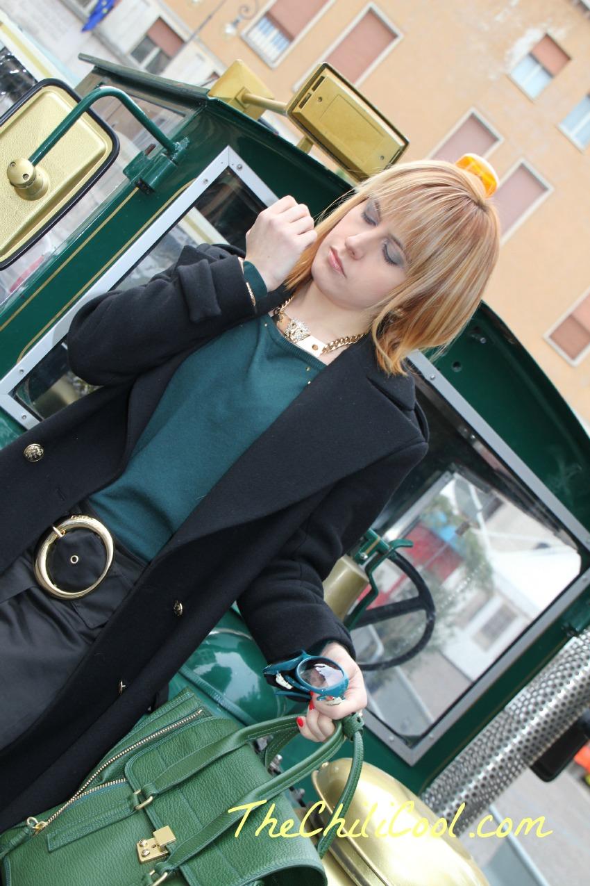 alessia milanese,thechilicool,fashion blog,fashion blogger, pashli 3.1 phillip lim,una moderna zarina in total black e cenni dorati