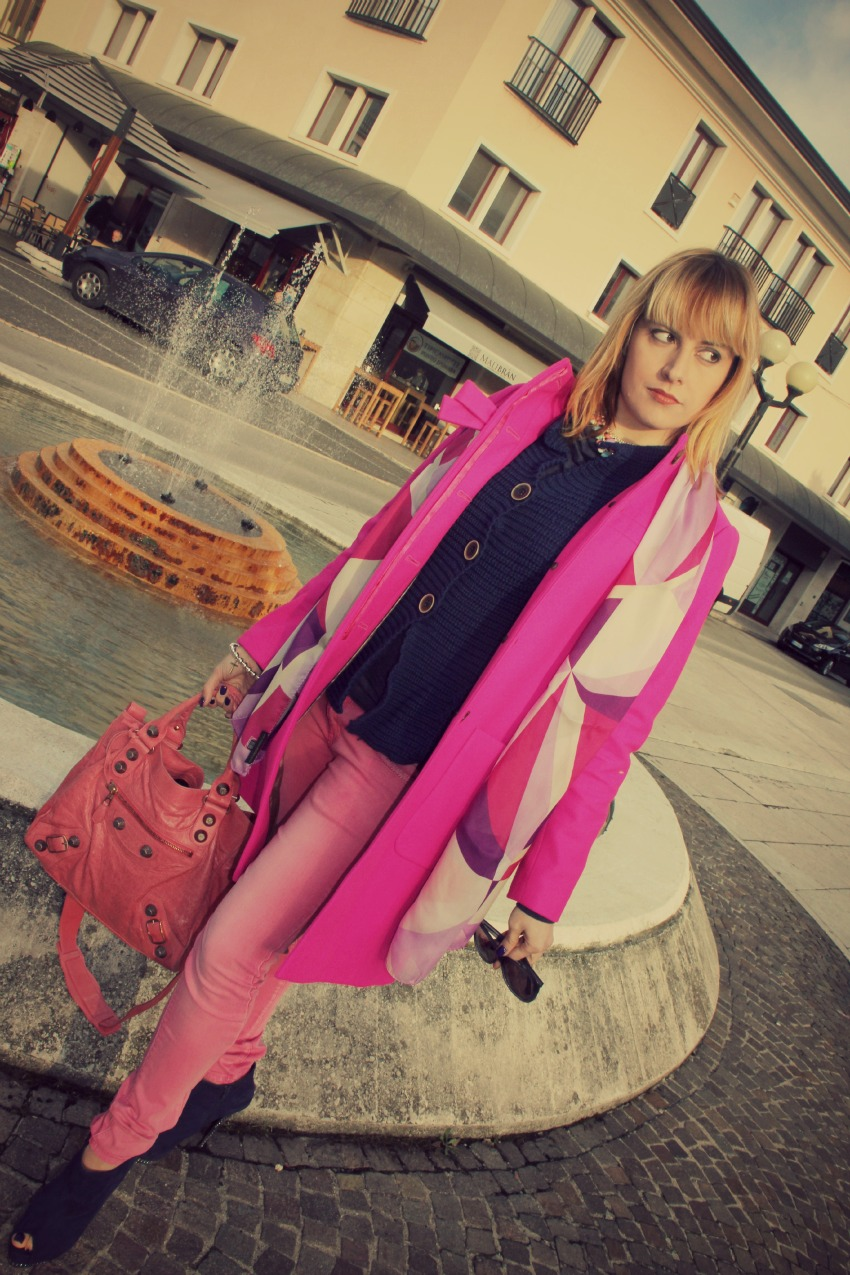 alessia milanese, thechilicool, fashion blog, fashion blogger, pink and blue, balenciaga bag, j crew coat
