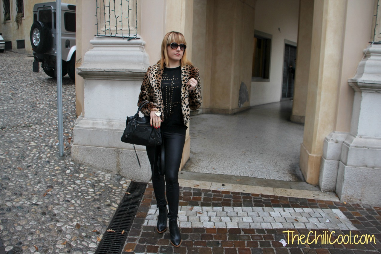 alessia milanese, thechilicool, fashion blog fashion blogger, balenciaga bag,total black ed un pizzico di animalier
