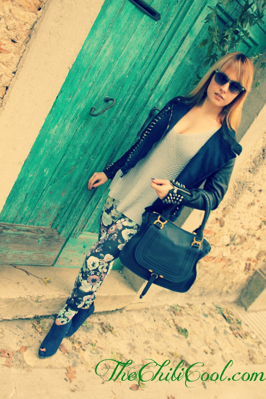 alessia milanese, thechilicool, fashion blog, fashion blogger,voglia di primavera con leggings a fiori ed un pull azzurro cielo, marcie chloè