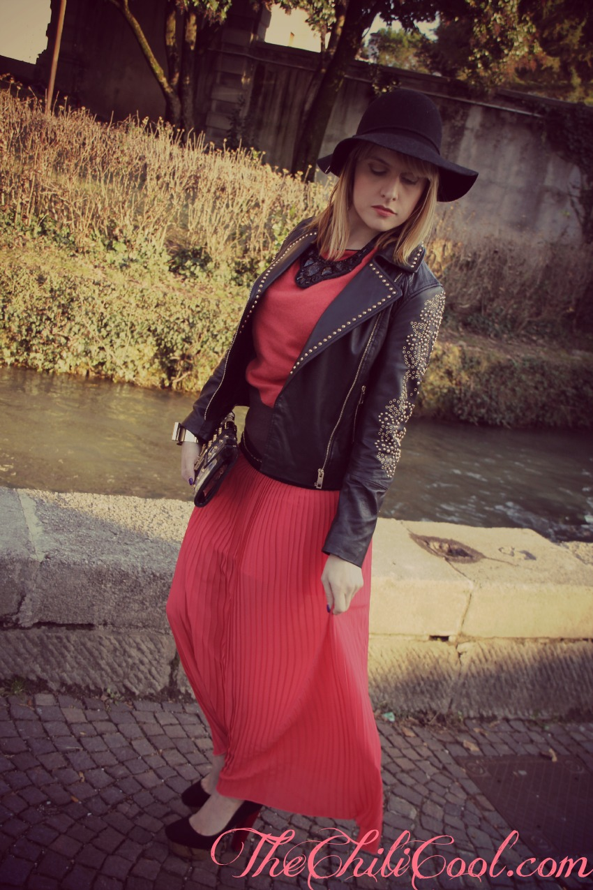 alessia milanese, thechilicool, fashion blog, fashion blogger,una maxi skirt rosso passione e borchie dorate