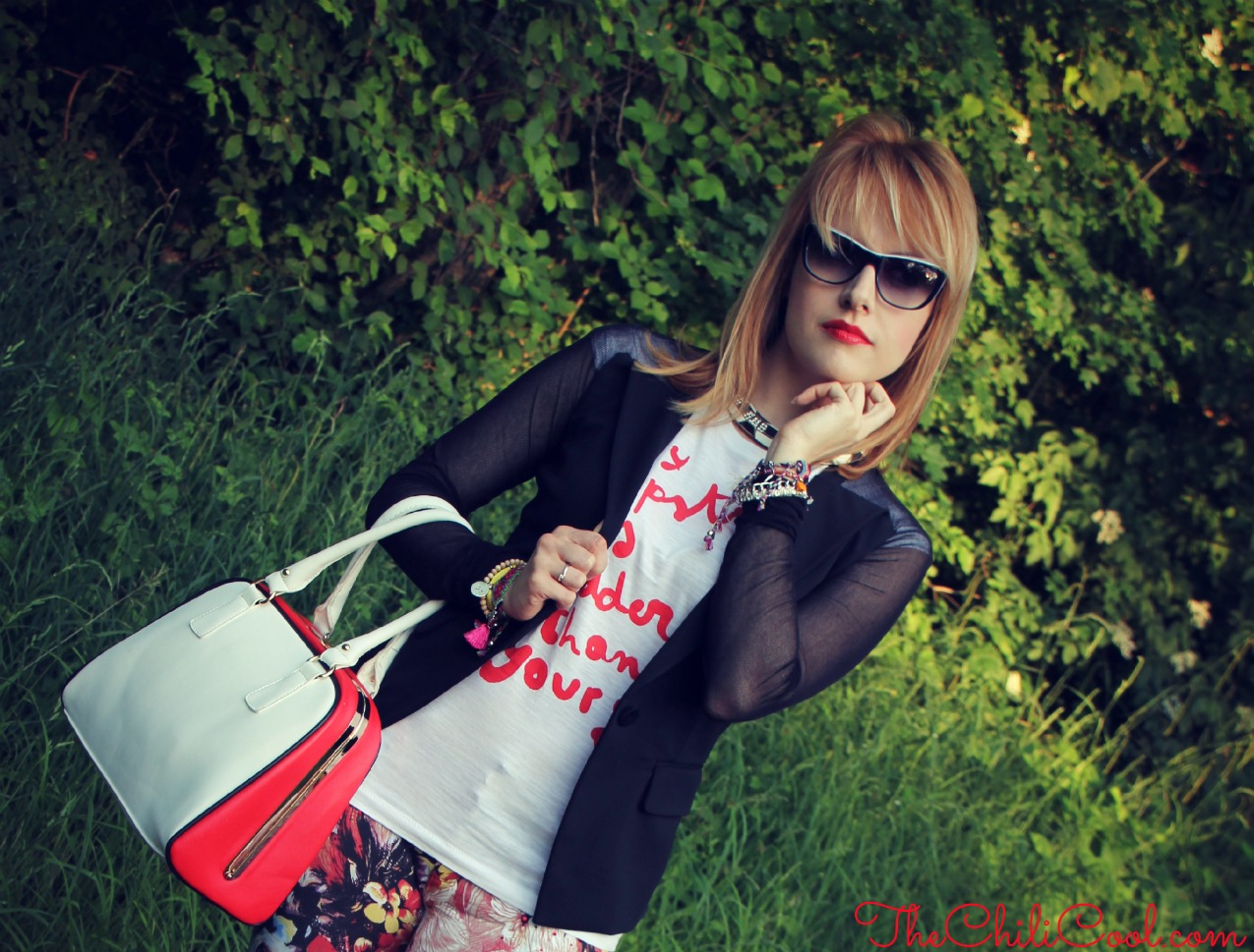 alessia milanese, thechilicool, fashion blog, fashion blogger,black and white tra stampe floreali ed un tocco di rosso corallo