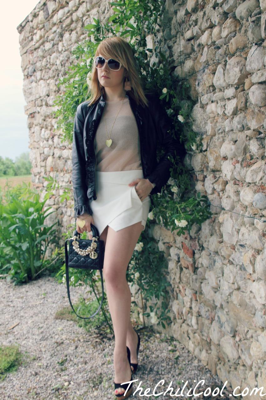 alessia milanese, thechilicool, fashion blog, fashion blogger,un sogno ad occhi apeerti tra chiodo in pelle nera e pull rosa cipria, mini lady dior bag