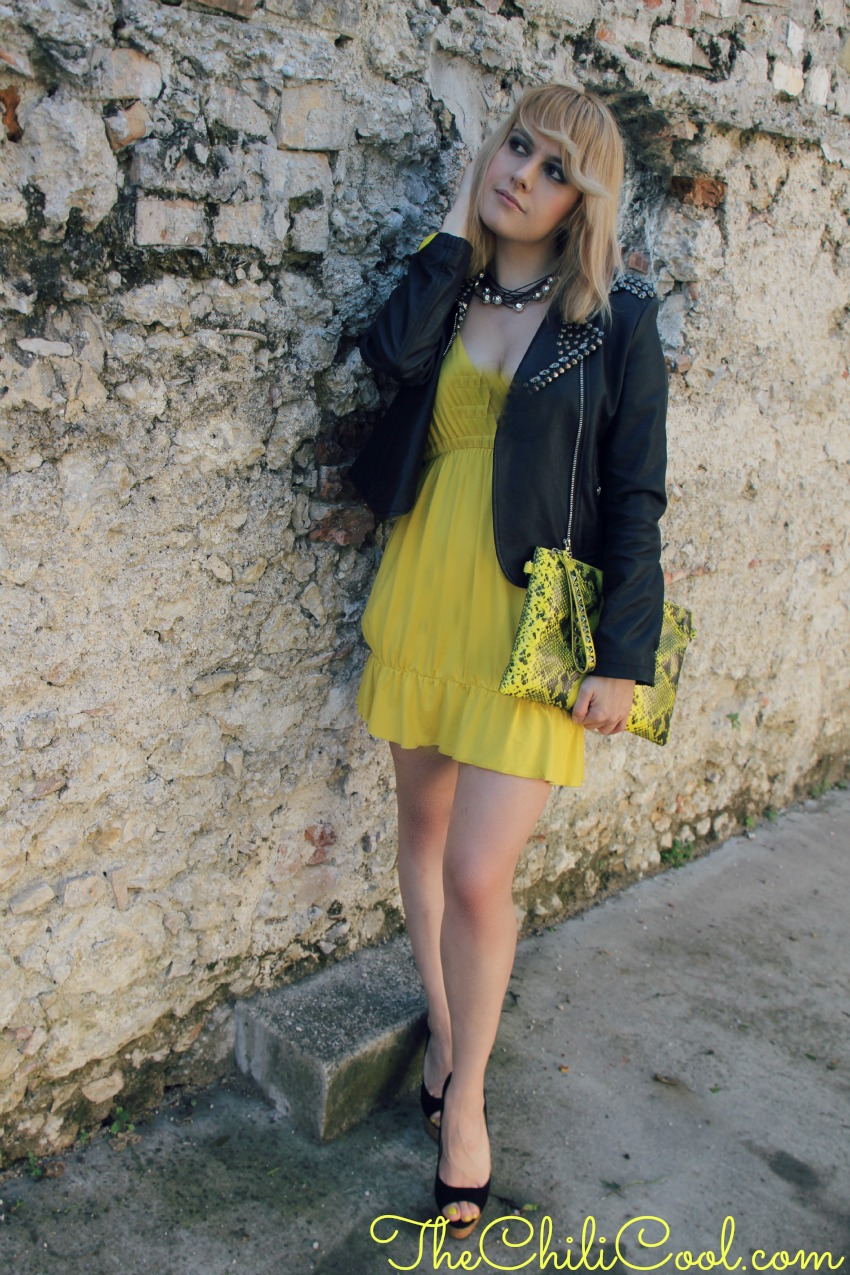 alessia milanese, thechilicool,it's only rock&roll con un abito giallo e borchie a profusione, fashion blog, fashion blogger