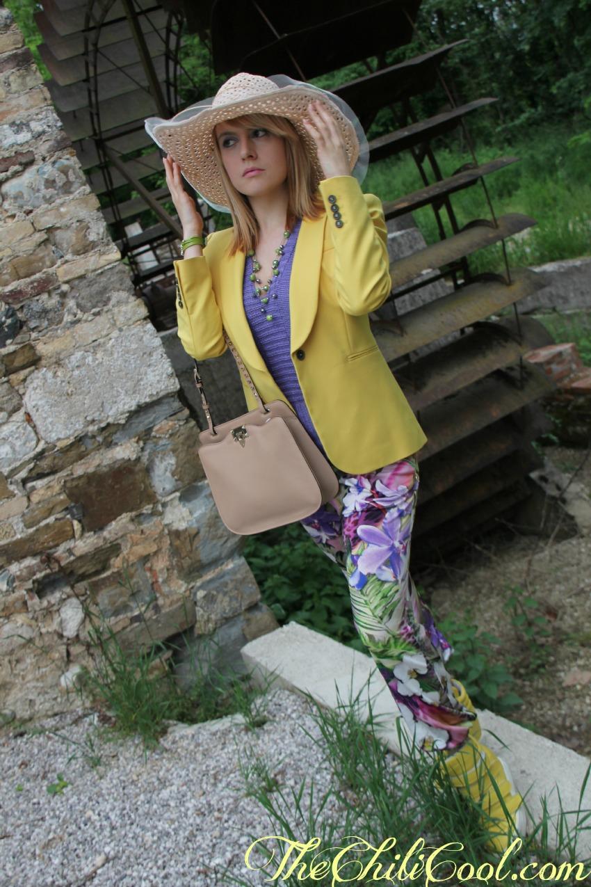 alessia milanese, thechilicool, fashion blog, fashion blogger,fantasie tropicali con i pants morbidi di ean13,  borsa valentino rockstud