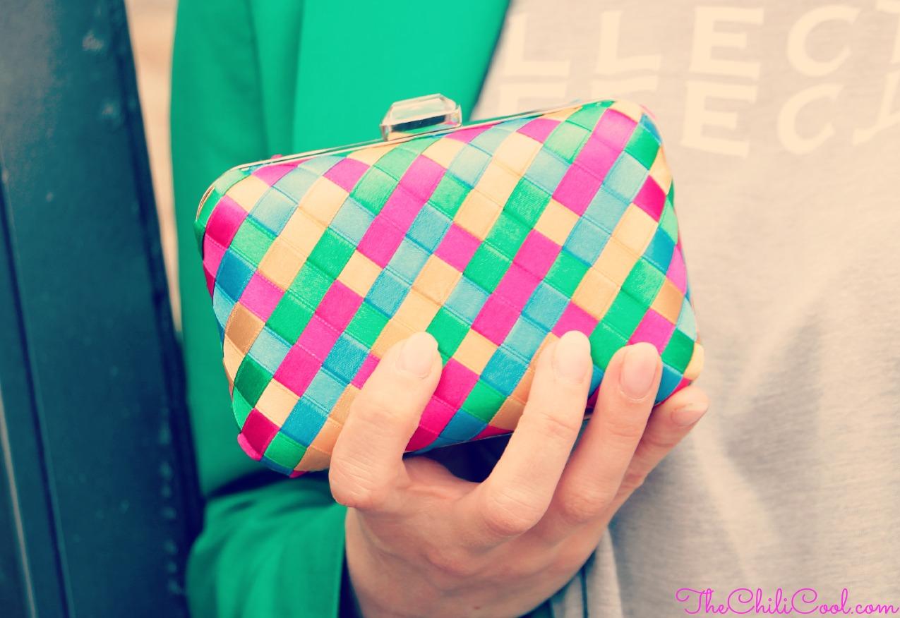alessia milanese, thechilicool, fashion blog, fashion blogger,arcobaleno di colori nella clutch sdrammatizzato dall'eleganza del grigio