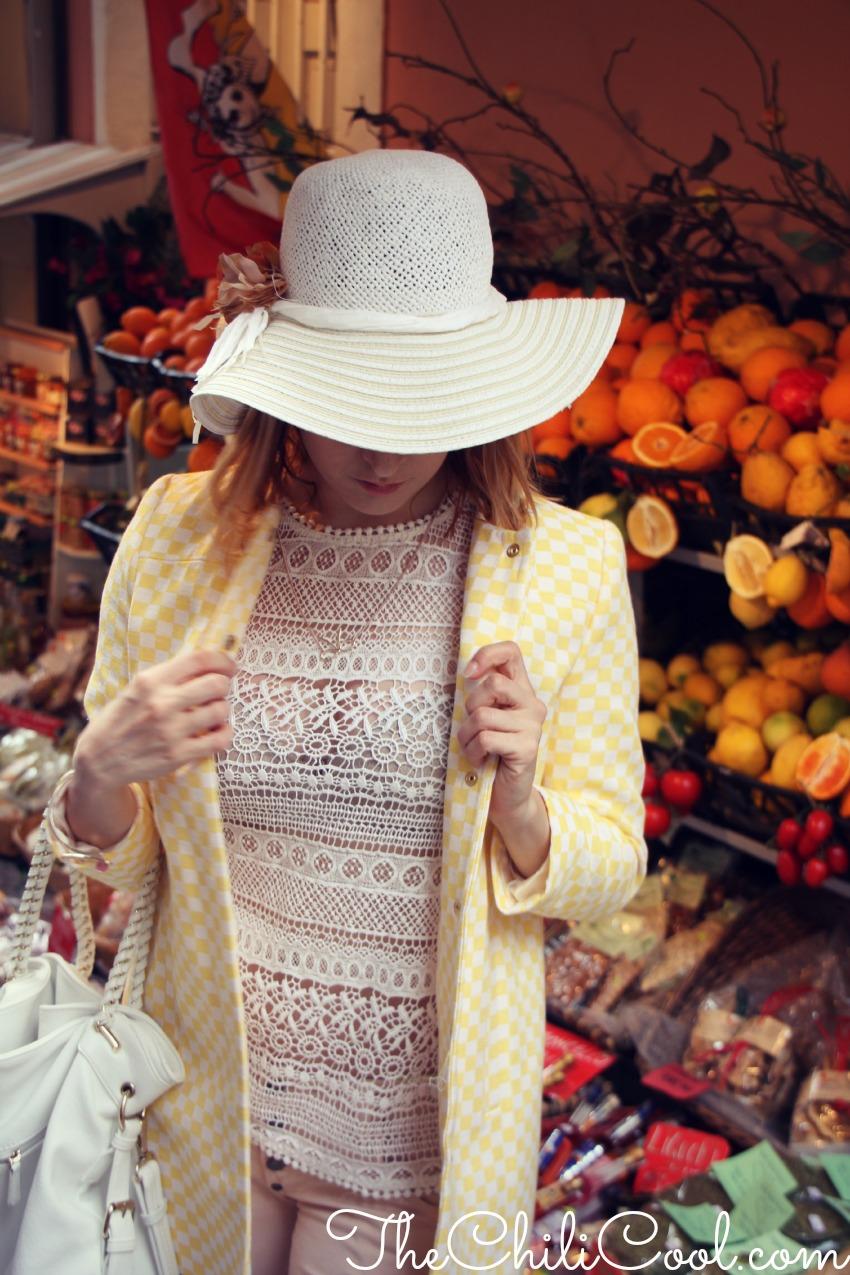 alessia milanese, thechilicool, fashion blog, fashion blogger,un cappottino bonton nella cornice della splendida taormina
