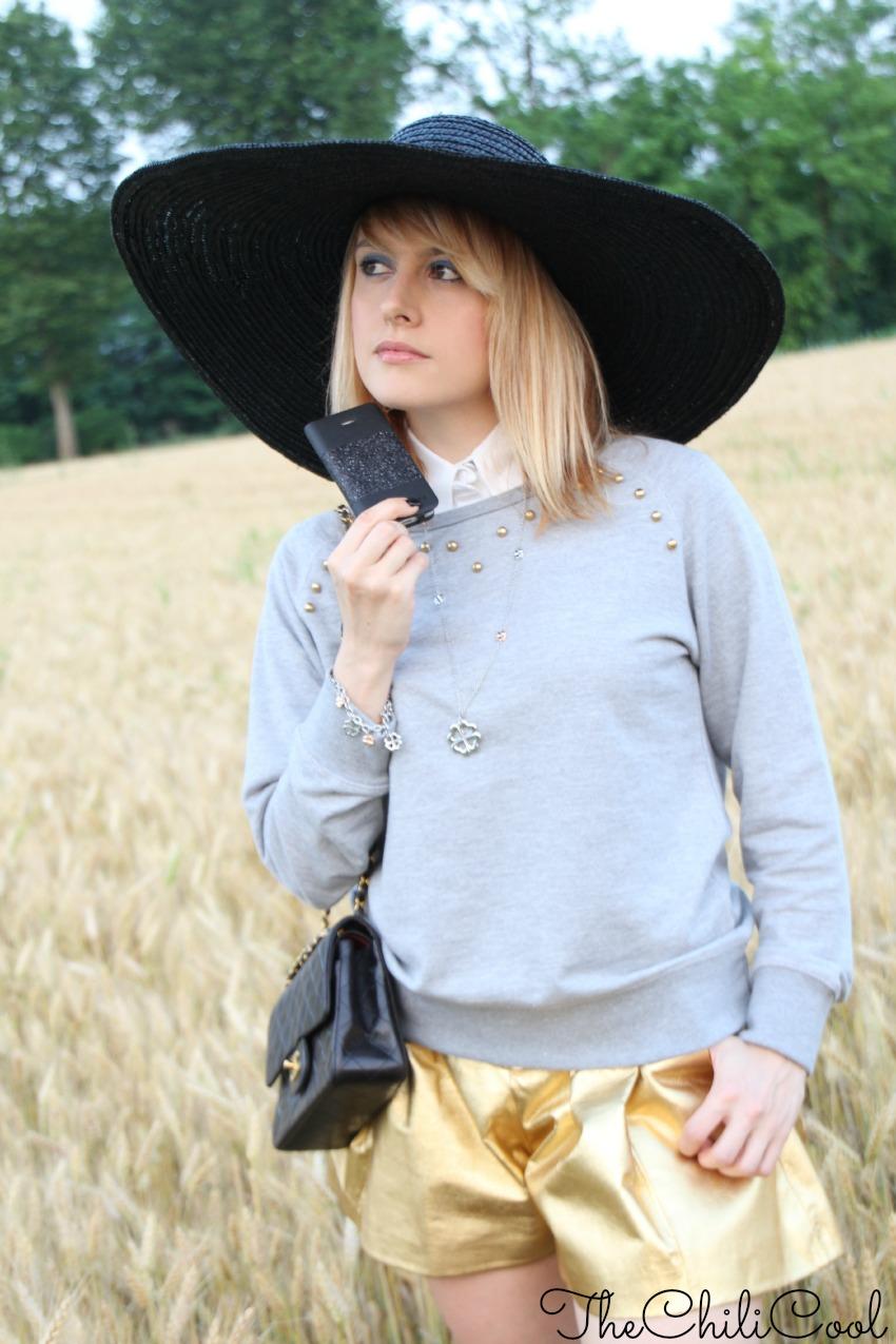 alessia milanese, thechilicool, fashion blog, fashion blogger,una felpa che diventa glam con un tuffo nell'oro, chanel 2.55 bag