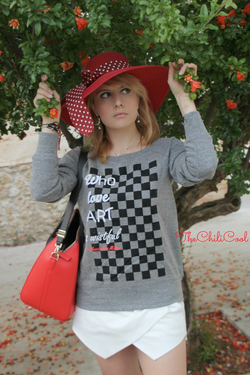 alessia milanese, thechilicool, fashion blog, fashion blogger,sporty and glam con qualche tocco di rosso, antigona bag givenchy