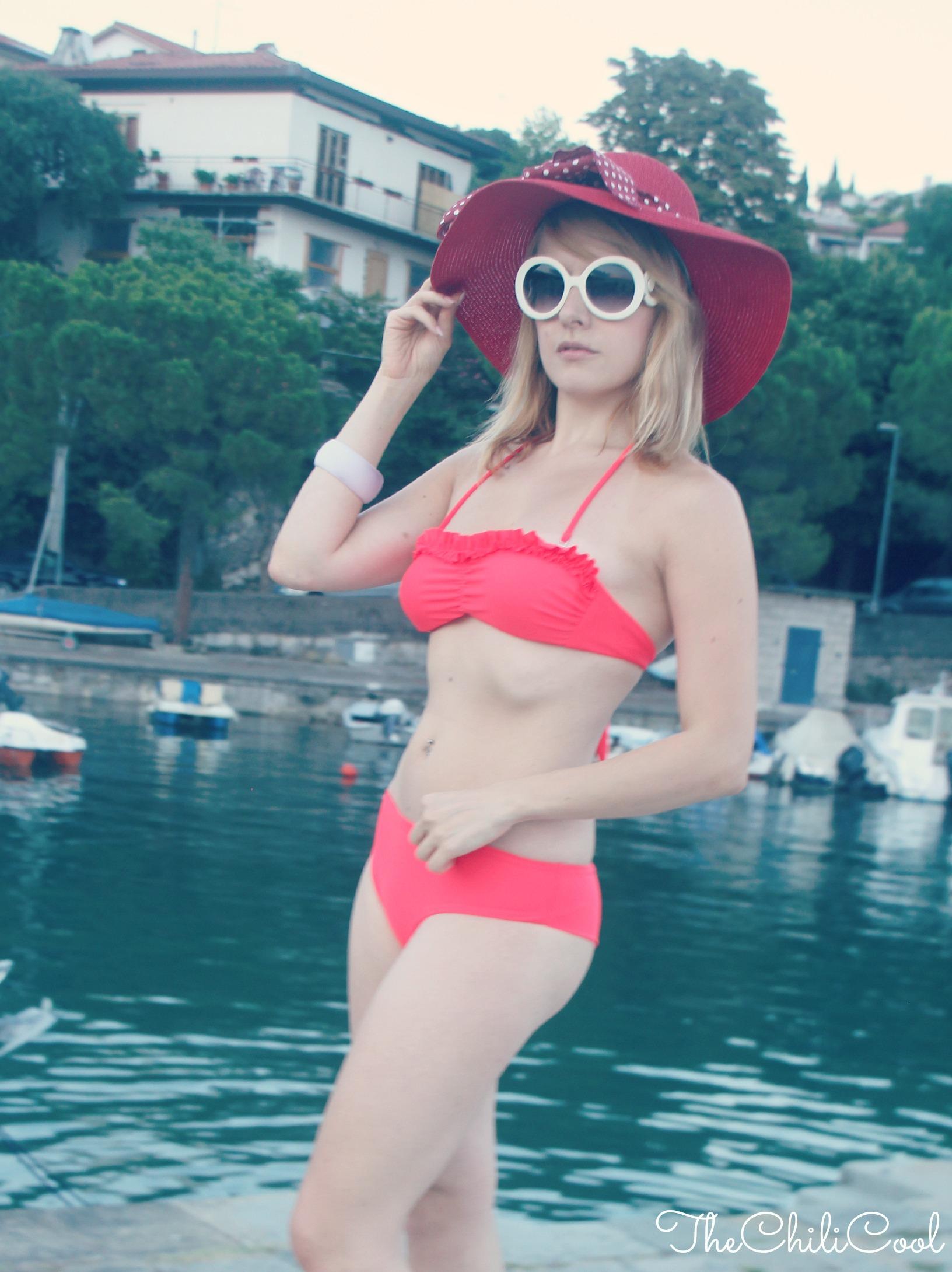 alessia milanese, thechilicool, fashion blog, fashion blogger,un bikini rosso e la cornice della splendida duino