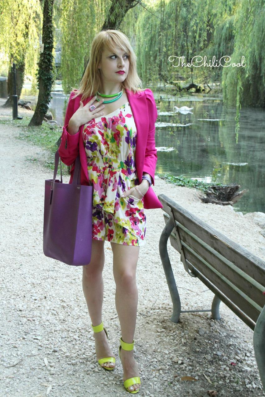alessia milanese, thechilicool, fashion blog, fashion blogger,romantica esplosione floreale con una playsuit e cenni di fucsia