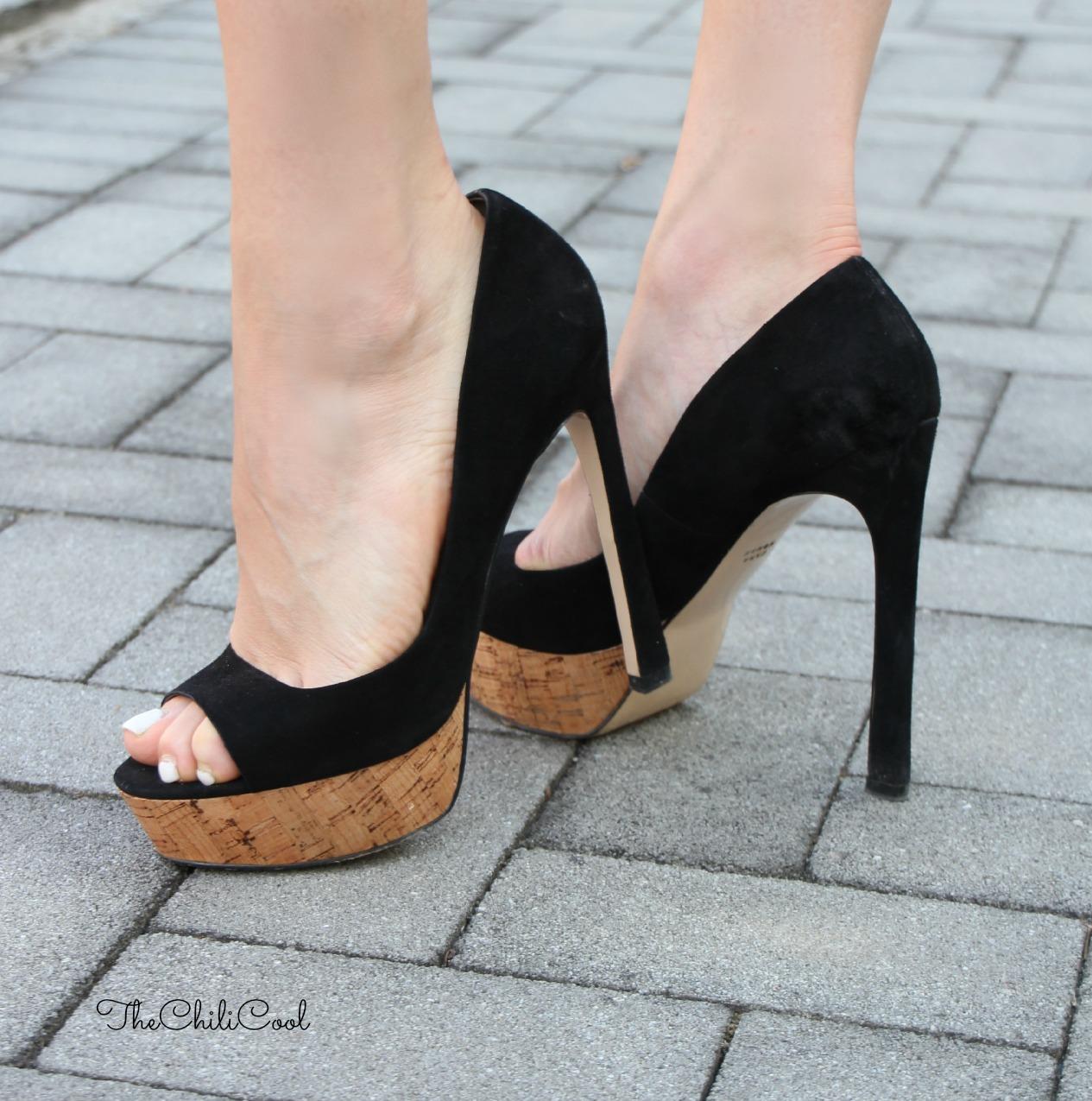 alessia milanese, thechilicool, fashion blog, fashion blogger,chic in b&w con scarpe tacco 12 e cenni di rosso corallo, antigona bag givenchy