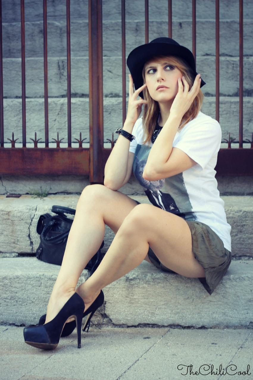 alessia milanese, thechilicool, fashion blog, fashion blogger,21 volte la ricerca della perfezione. Quella che dobbiamo sempre evitare. Indossando una tee che profuma d'ironia., balenciaga bag