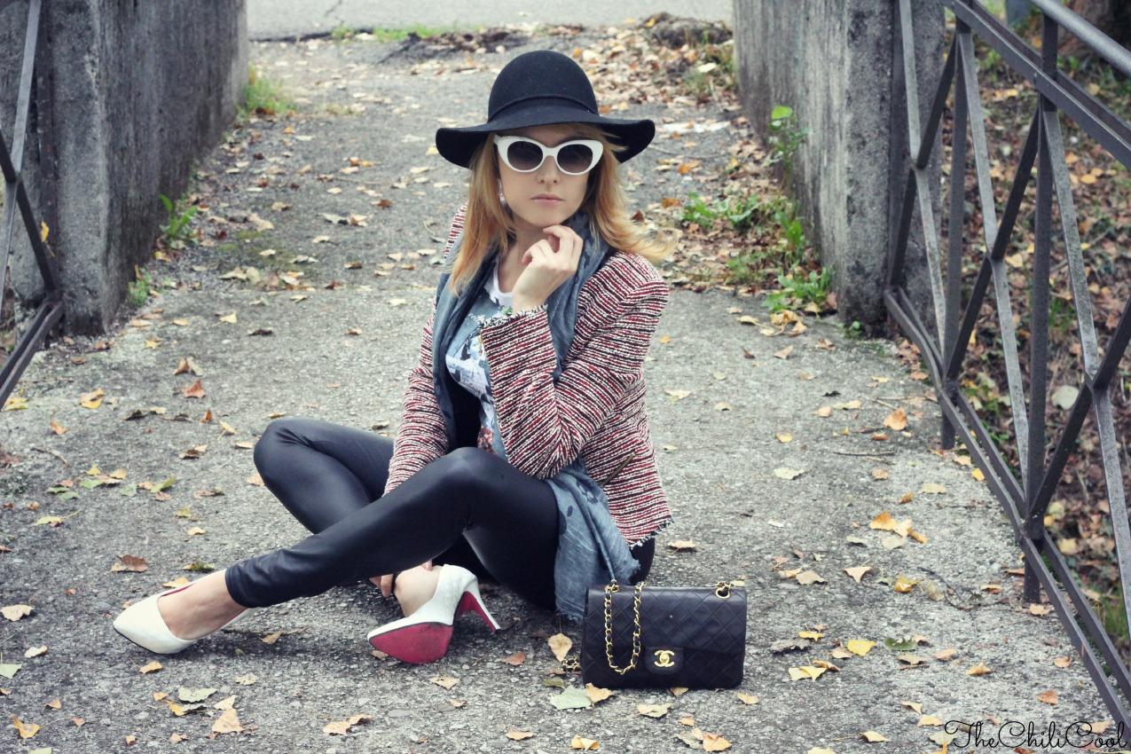 puoi. con una tee funny e la pioggia del martedì, alessia milanese, thechilicool, fashion blog, fashion blogger, chanel 2.55