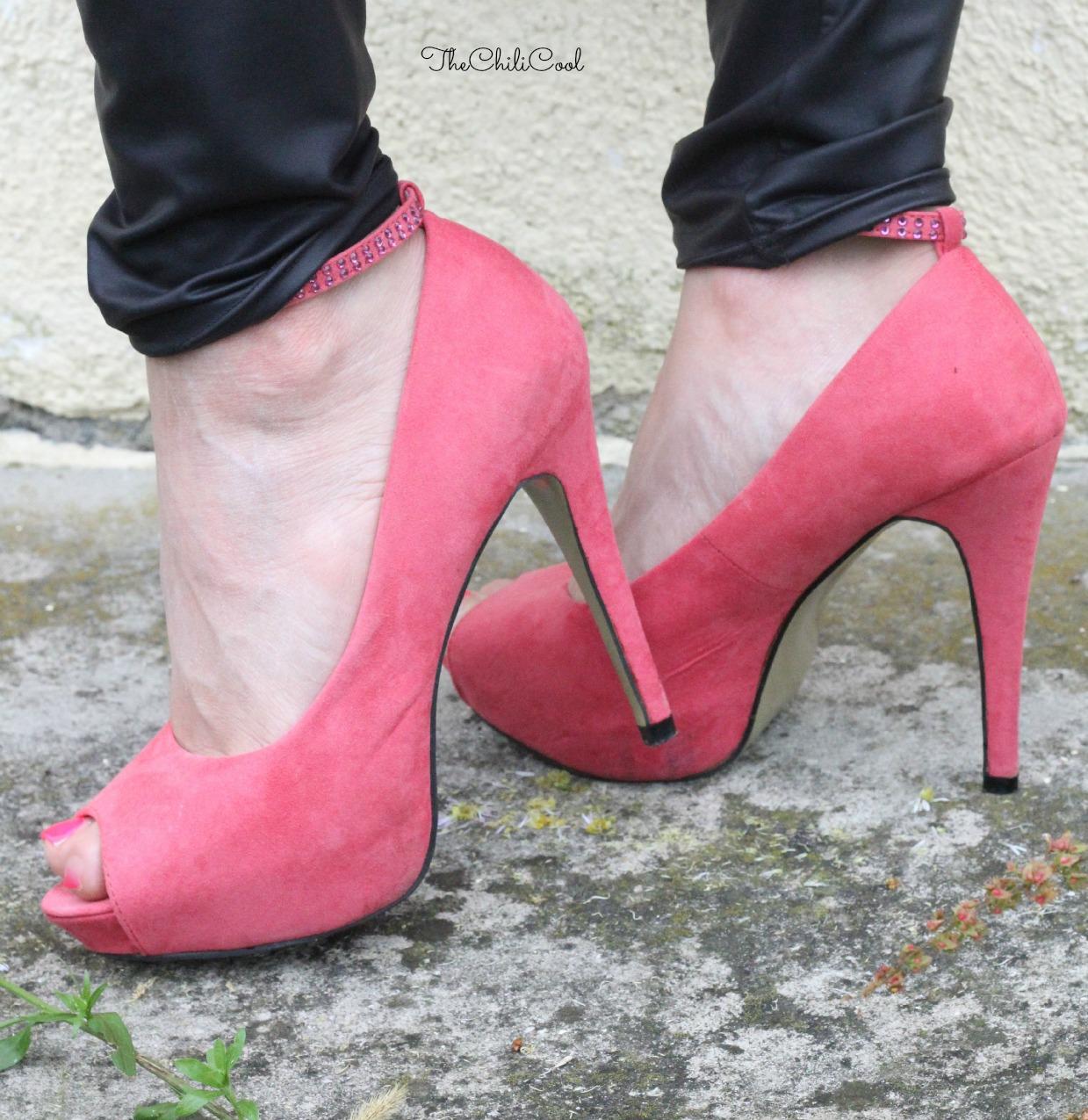 alessia milanese, thechilicool, fashion blog, fashion blogger, shop in london e commerce , summer mode progetto solidale ospedale di cagliari, del nero e degli altri colori