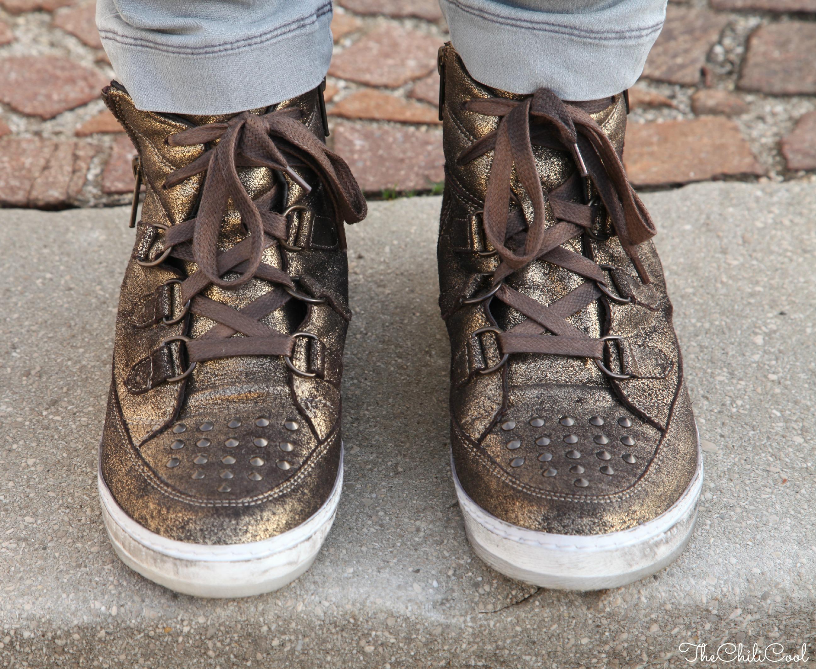 Martedì in versione casual con sneakers lamè e cappotto a quadri, alessia milanese, thechilicool, fashion blog, fashion blogger