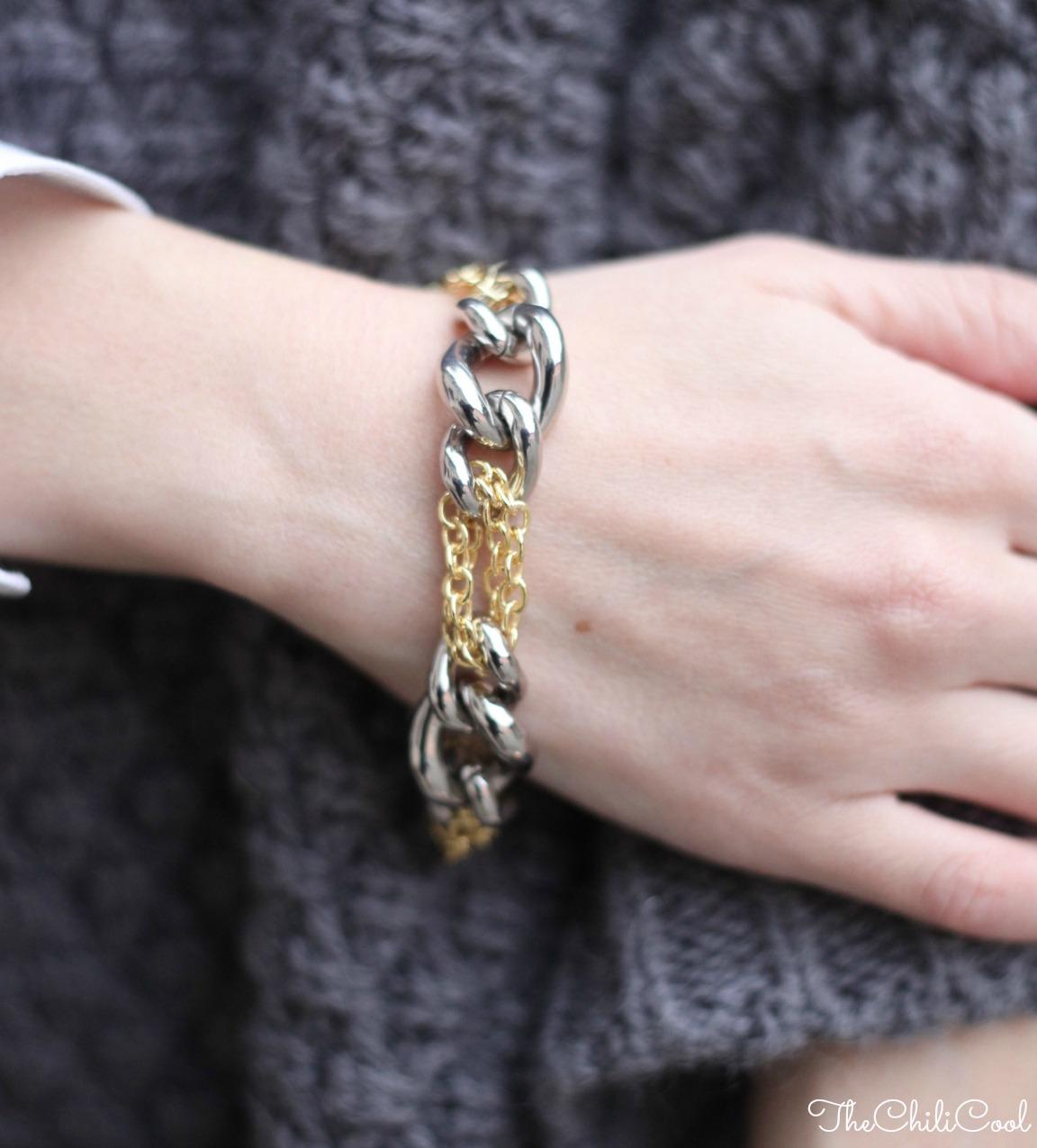 alessia milanese, thechilicool, fashion blog, fashion blogger,poncho in lana e piccoli dettagli dorati, chanel 2.55
