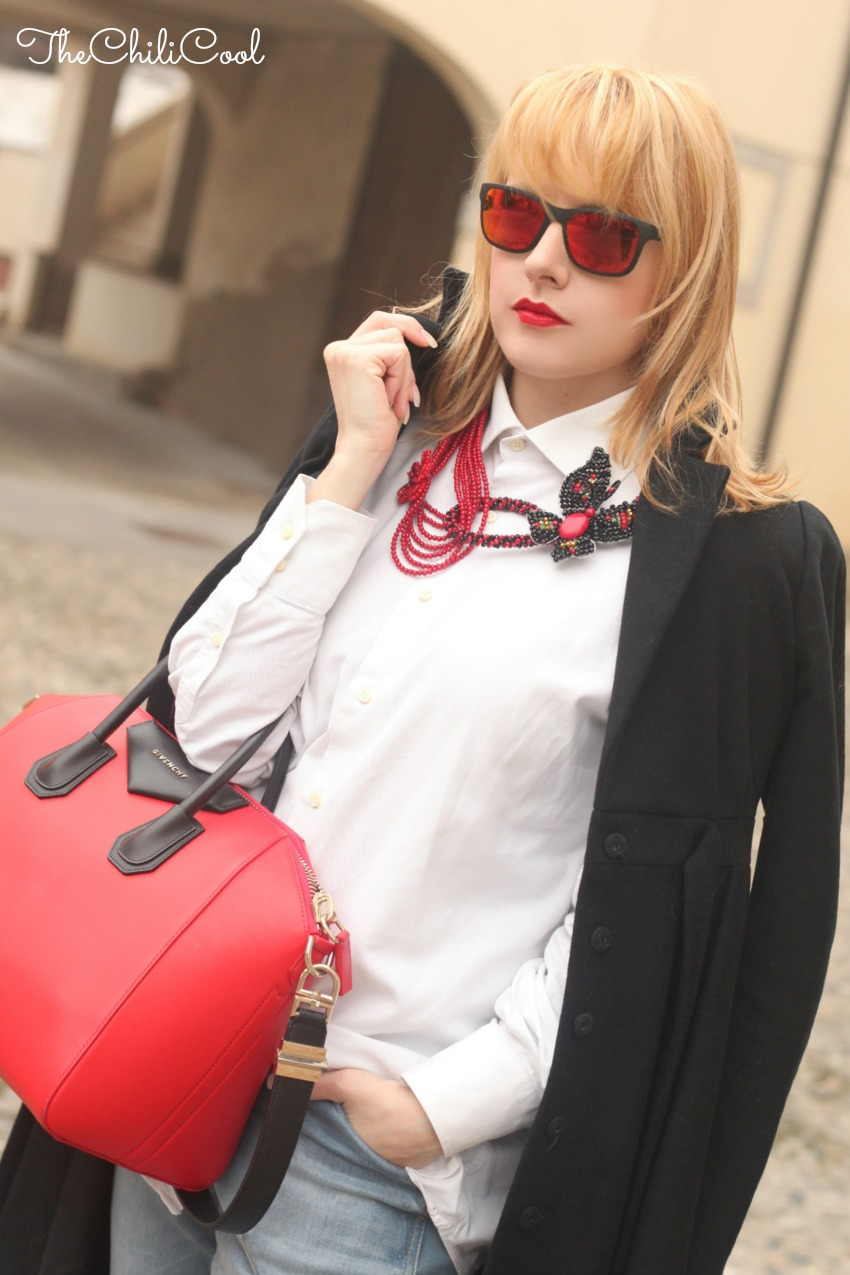 alessia milanese, thechilicool, fashion blog, fashion blogger, red touch, antigona bag givenchy
