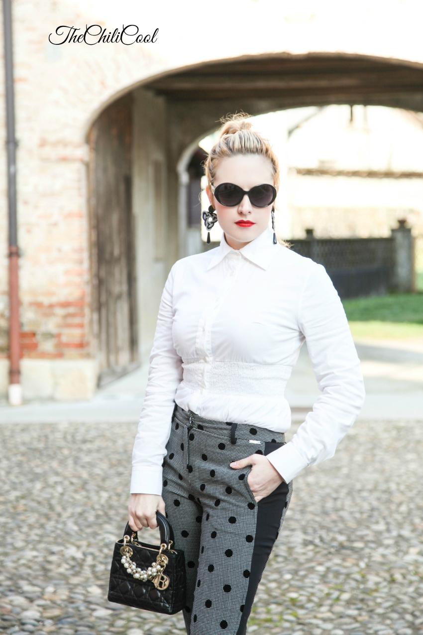 outfit elegante con pantaloni a pois, alessia milanese, thechilicool, fashion blog, fashion blogger, lady dior bag
