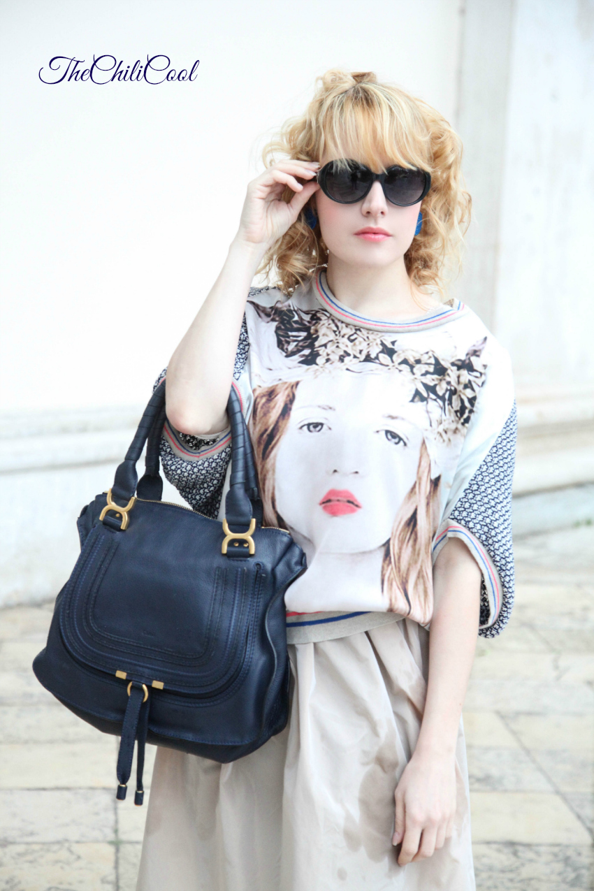 Una donna, sprazzi di blu ed una gonna in taffettà , alessia milanese, thechilicool, fashion blog, fashion blogger, marcie chloe bag