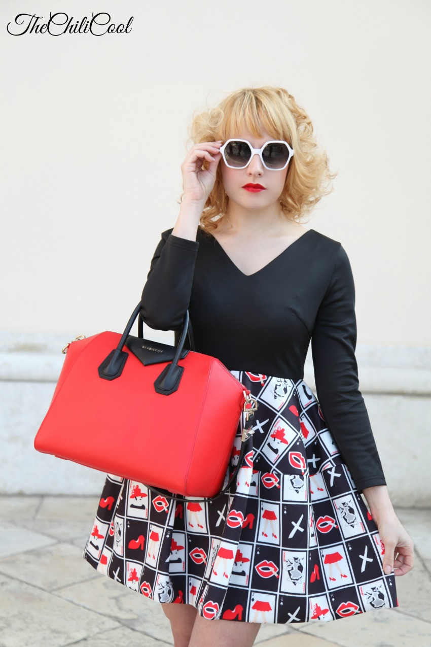 Red details on my dress, alessia milanese, thechilicool, fashion blog, fashion blogger, givenchy bag antigona
