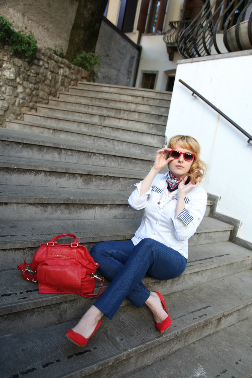 navy details, alessia milanese, thechilicool, fashion blog, fashion blogger, givenchy bag