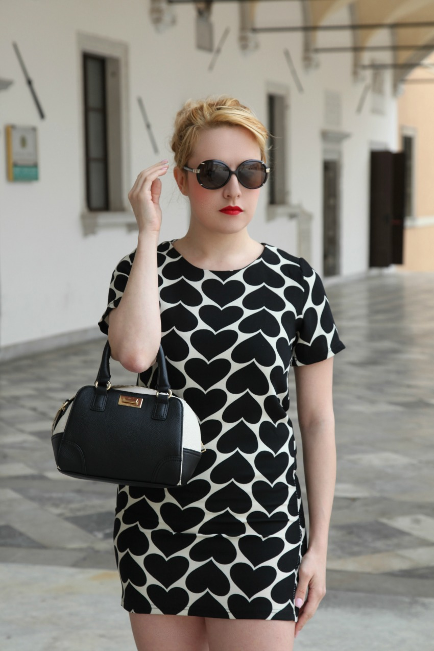 alessia milanese, thechilicool, fashion blog, fashion blogger, black hearts