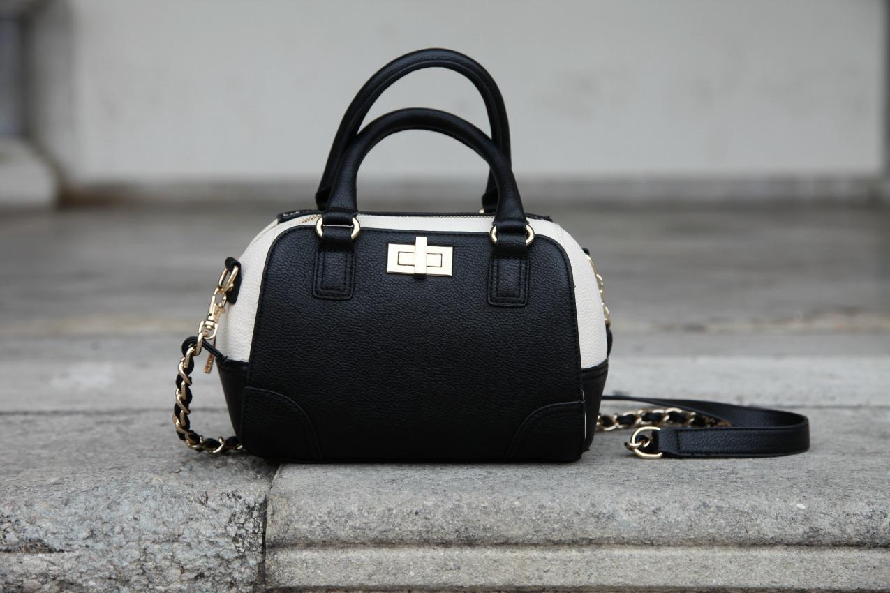 Black&white series #14: jumpsuit elegante e dettagli dorati, alessia milanese, thechilicool, fashion blog, fashion blogger, vitti ferria contin gioielli