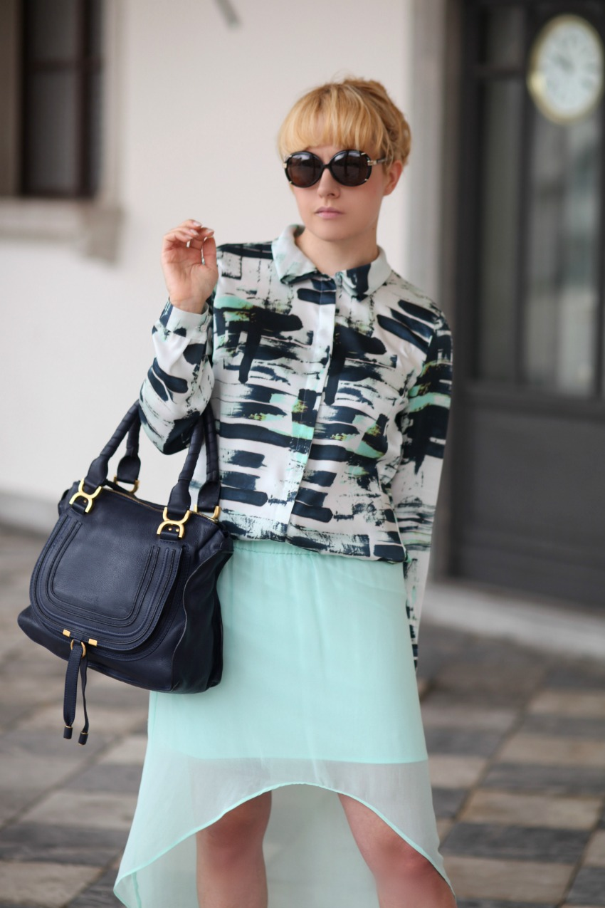 Blusa stampata e gonna verde menta - Outfit chic del martedì, alessia milanese, thechilicool, fashion blog, fashion blogger, marcie bag chloe