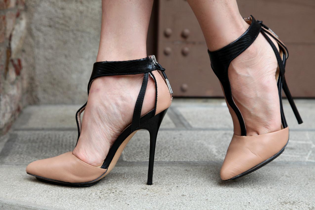 Dieci minuti. Fra cambiamenti e gonne dal sapore barocco, alessia milanese, thechilicool, fashion blog, fashion blogger scarpe l.a.m.b