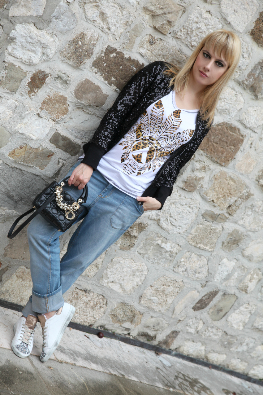 Happy Tuesday to you. TSHIRT HEREAS. BAG CHRISTIAN DIOR 844d1ed3951