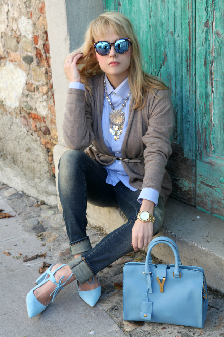 Casual look: cardigan beige e tocchi di azzurro, alessia milanese, thechilicool, fashion blog, fashion blogger, cabas saint laurent