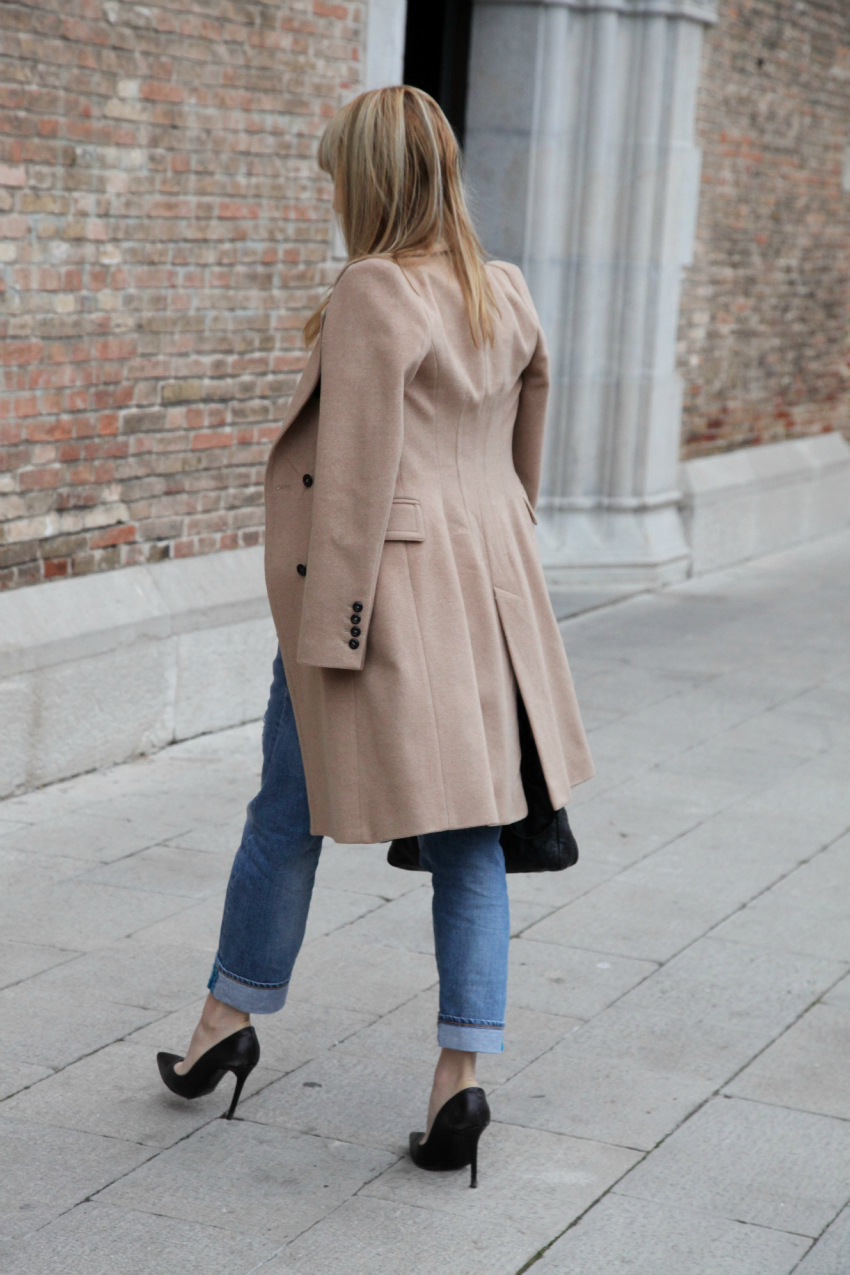 Un cappotto color cammello e frammenti di vita, alessia milanese, thechilicool, fashion blog, fashion blogger, balenciaga bag