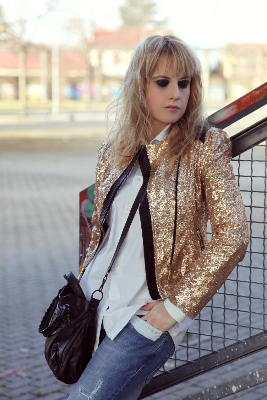 E' martedì... e piovono glitter, alessia milanese, thechilicool, fashion blog, fashion blogger, balenciaga bag