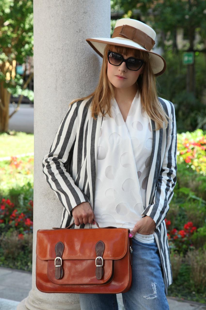 Il verde, il bianco delle case ed una giacca a righe, alessia milanese, thechilicool, fashion blog, fashion blogger, carla b