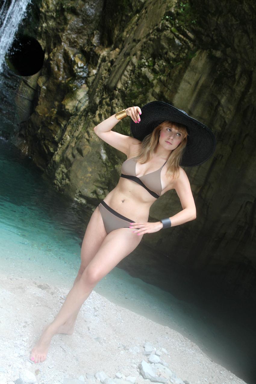 Istanti, colori, sensazioni ed un bikini nei colori della terra , alessia milanese, thechilicool, fashion blog, fashion blogger, frida querida bikini