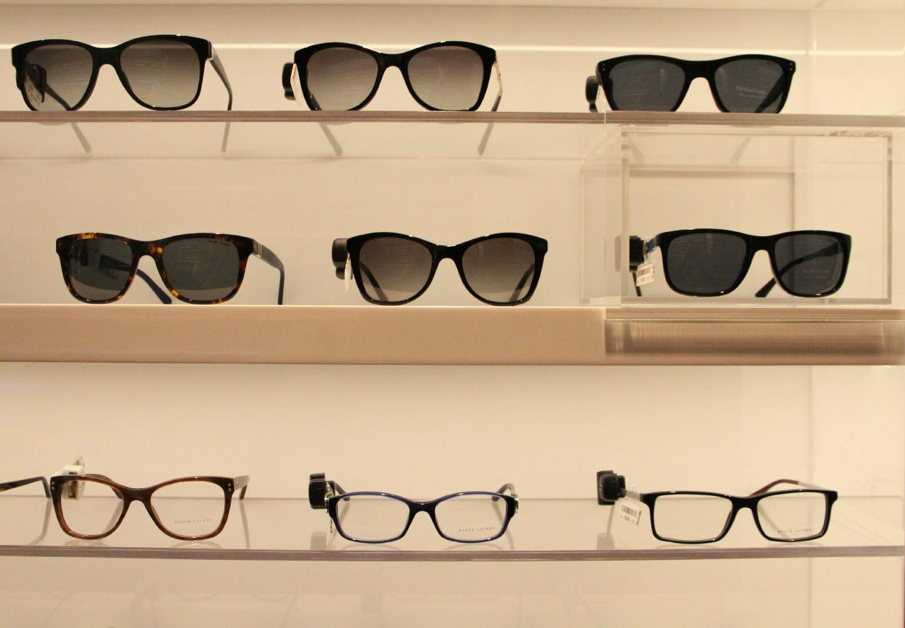 Esplosione di materiali e colori: viaggio attraverso la collezione sunglasses di Salmoiraghi & Vigano, alessia milanese, thechilicool, fashion blog, fashion blogger