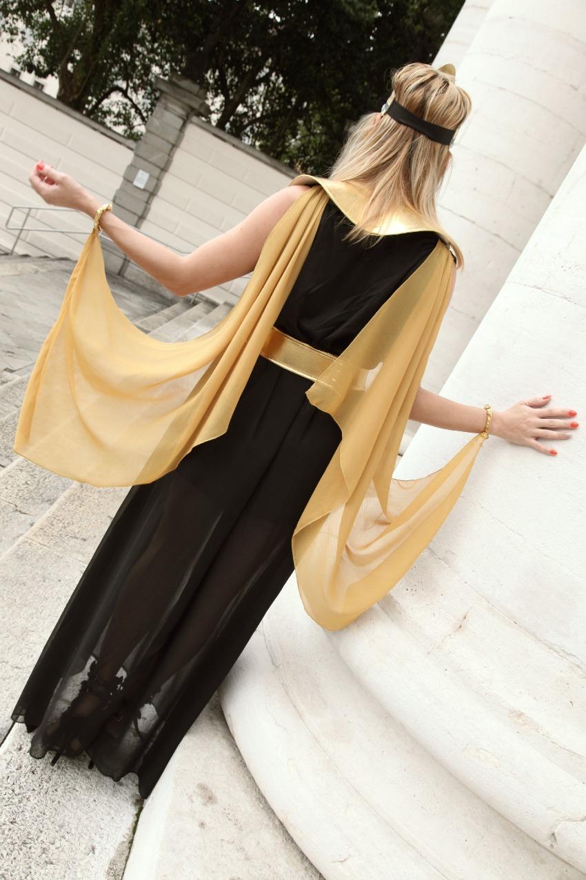 Regina del Nilo - outfit post ( + giveaway), alessia milanese, thechilicool, fashion blog,fashion blogger, funidelia costumi per halloween