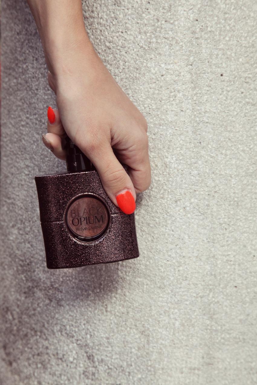 YSL Black Opium - Eau de Toilette: nero, pizzo ed ossessioni, alessia milanese, thechilicool, fashion blog, fashion blogger, manila grace