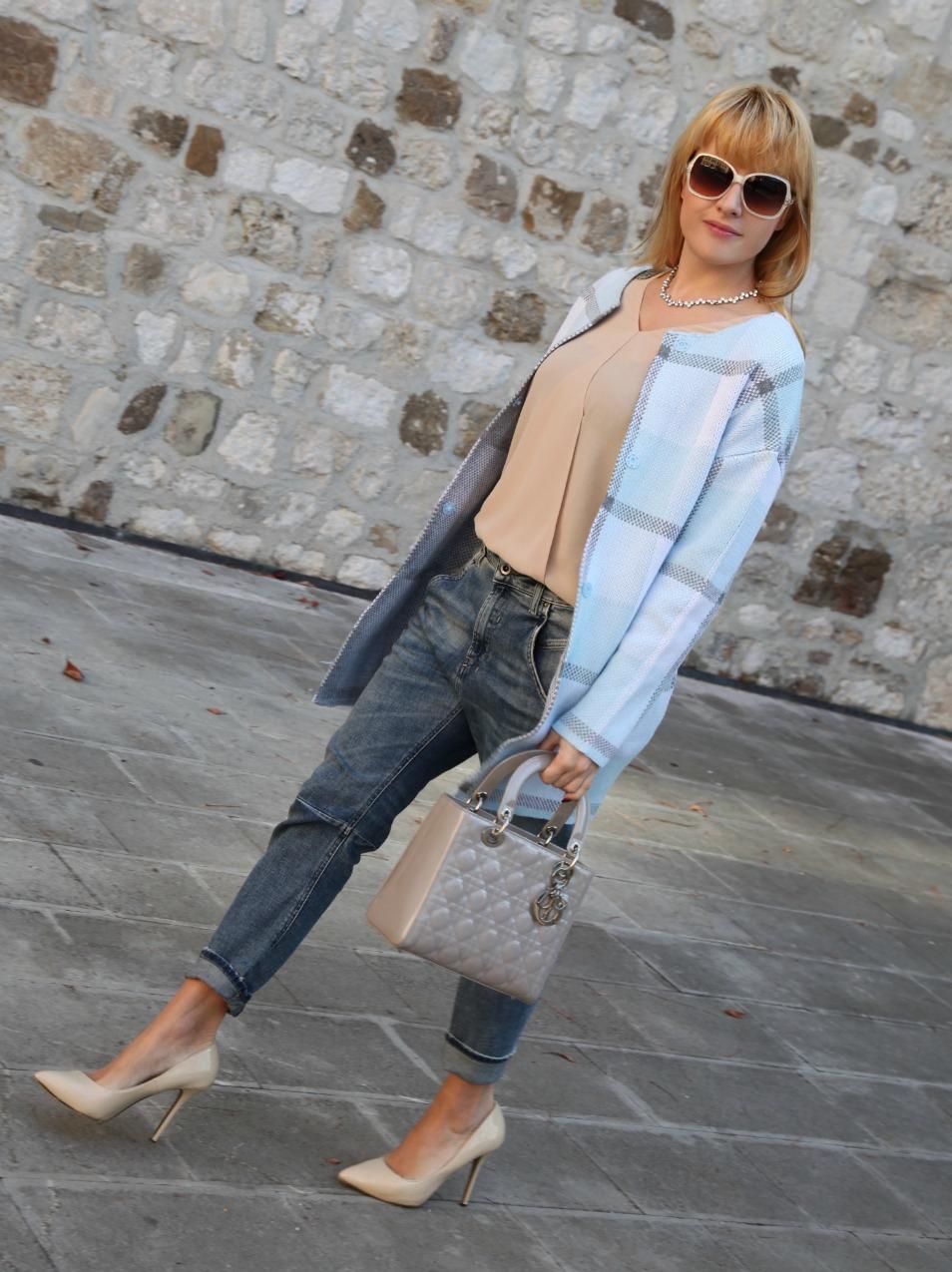Felicità, orizzonti ed un cappotto nel colore del cielo , alessia milanese, thechilicool, fashion blog, fashion blogger , lady dior bag