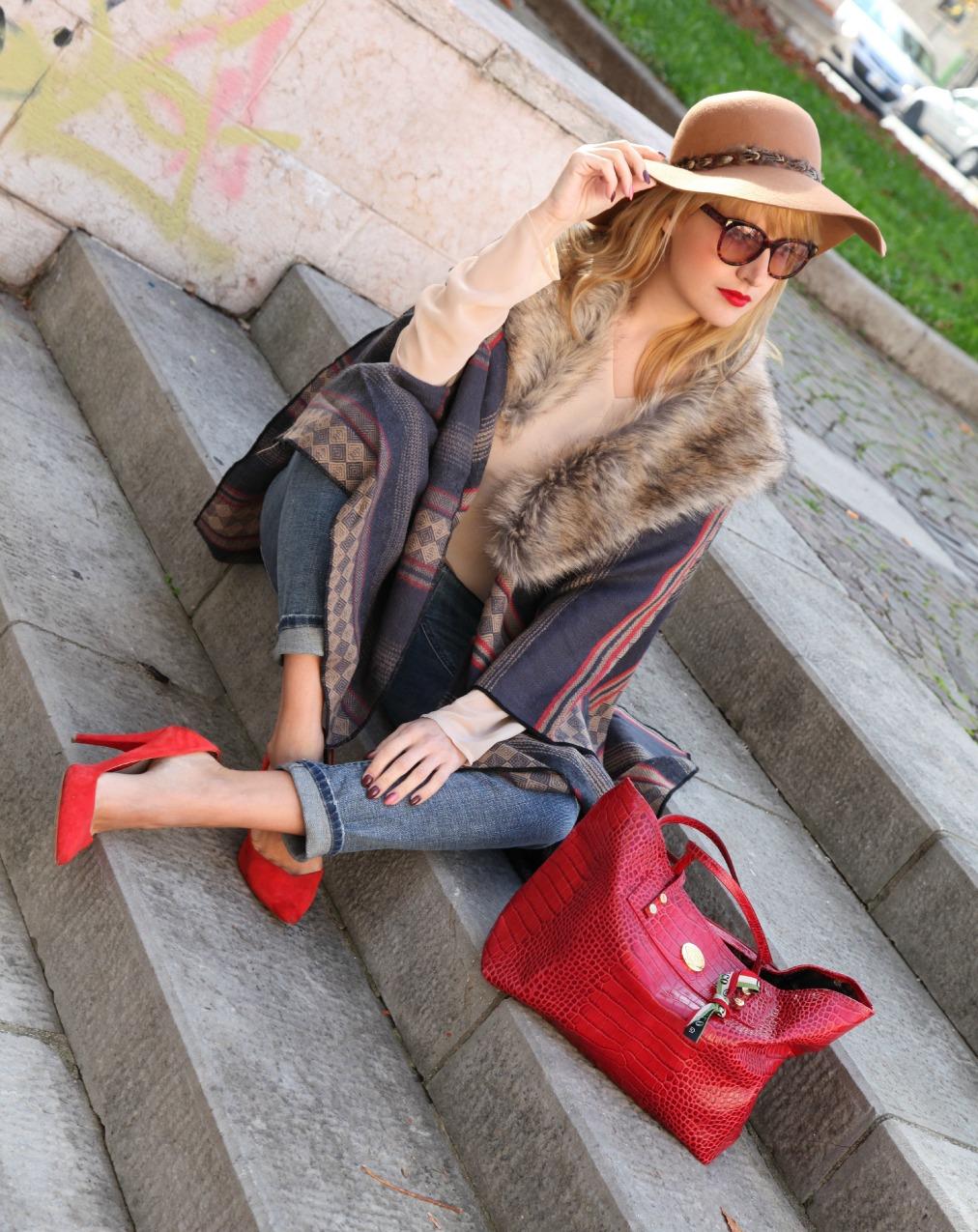 E chissà. Storie di felicità e mantelle sulle spalle., alessia milanese, thechilicool, fashion blog, fashion blogger, accessorize