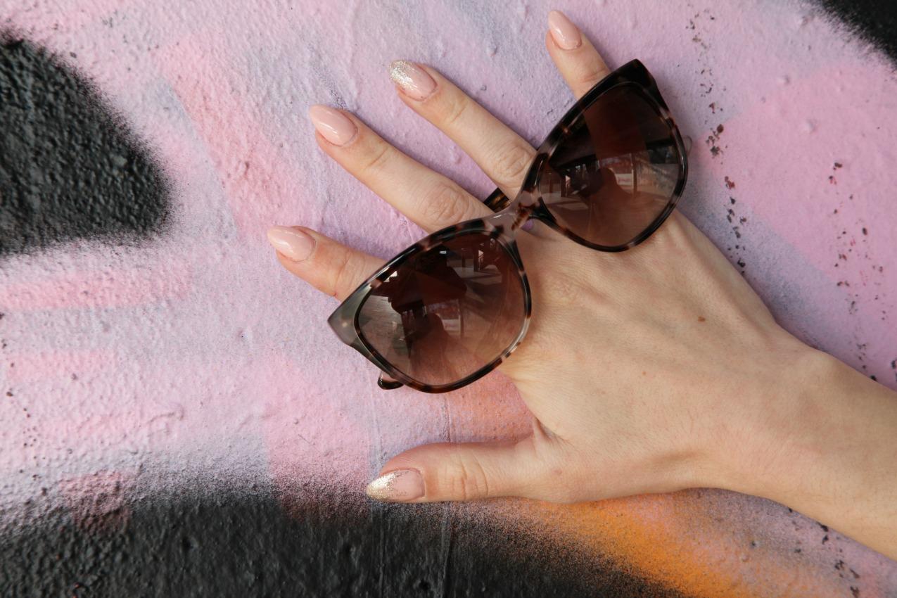 Di sguardi, di occhi che si incrociano e di lenti dietro cui nasconderli, alessia milanese, thechilicool, fashion blog, fashion blogger, elite sunglasses, piero guidi borse