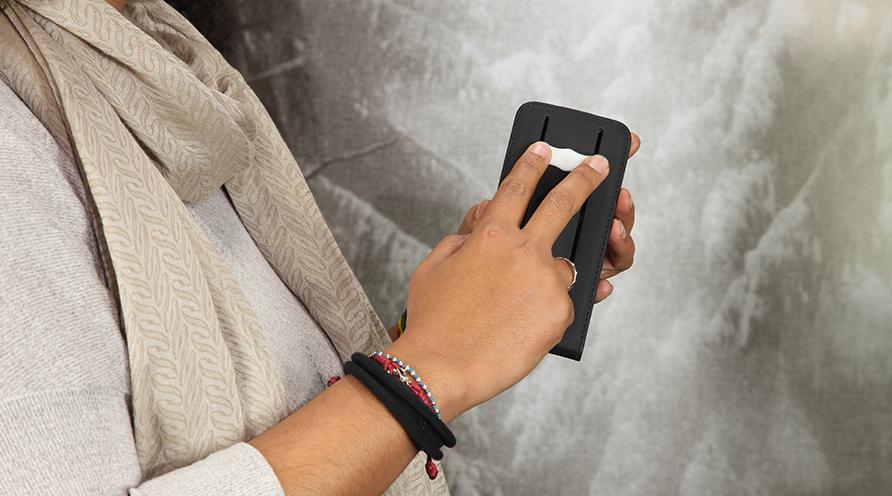-Wipe: quando pulire lo smartphone è cool, alessia milanese, thechilicool, fashion blog, fashion blogger, mnc by martina tittonel gioielli