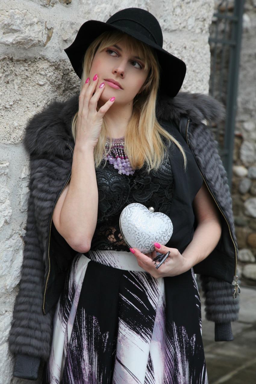 C'era una volta...storie di gonne e pioggia, alessia milanese, thechilicool, fashion blog, fashion blogger, rosso e lavanda