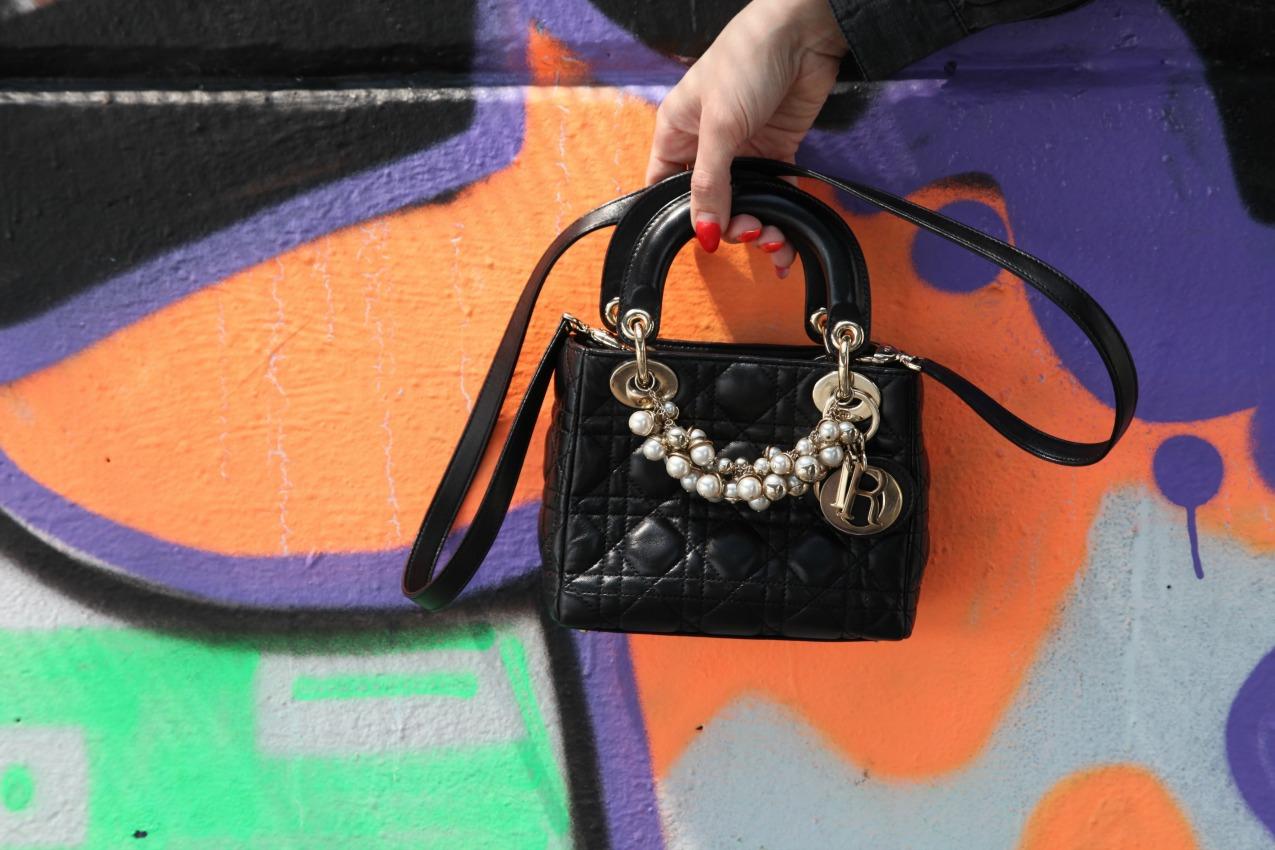 Gambe, gelsomino ed il nero di una camicia, alessia milanese, thechilicool, fashion blog, fashion blogger , bonprix