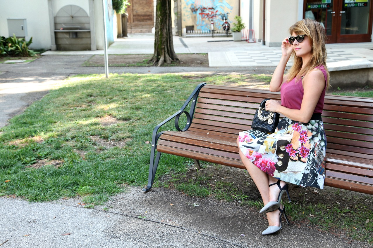 Pensieri in punta di fiori. Storie di amore, vita e sole sulla pelle, alessia milanese, thechilicool, fashion blog, fashion blogger, pinko skirt, lady dior bag